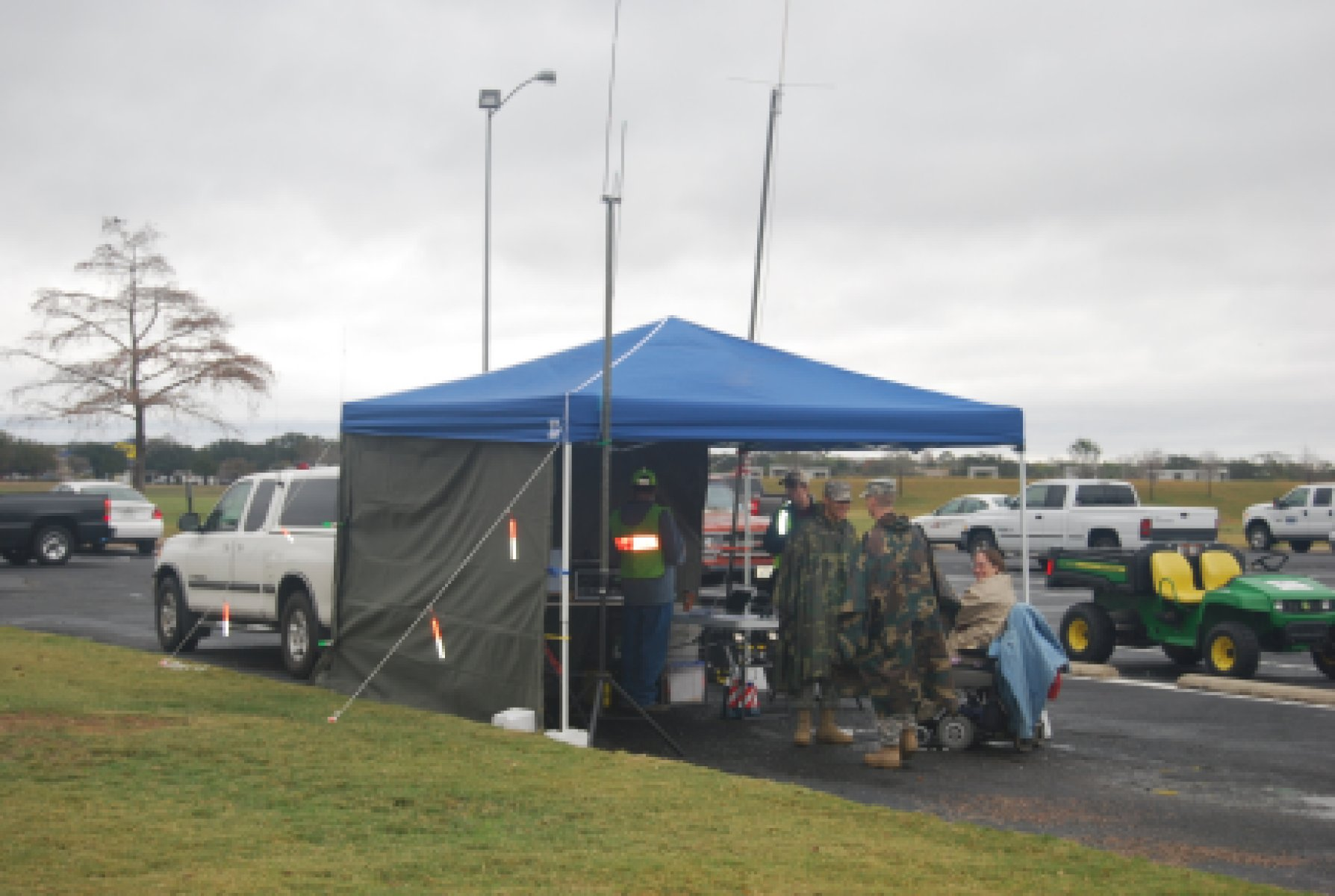 ares_xmas_2011_tent_1
