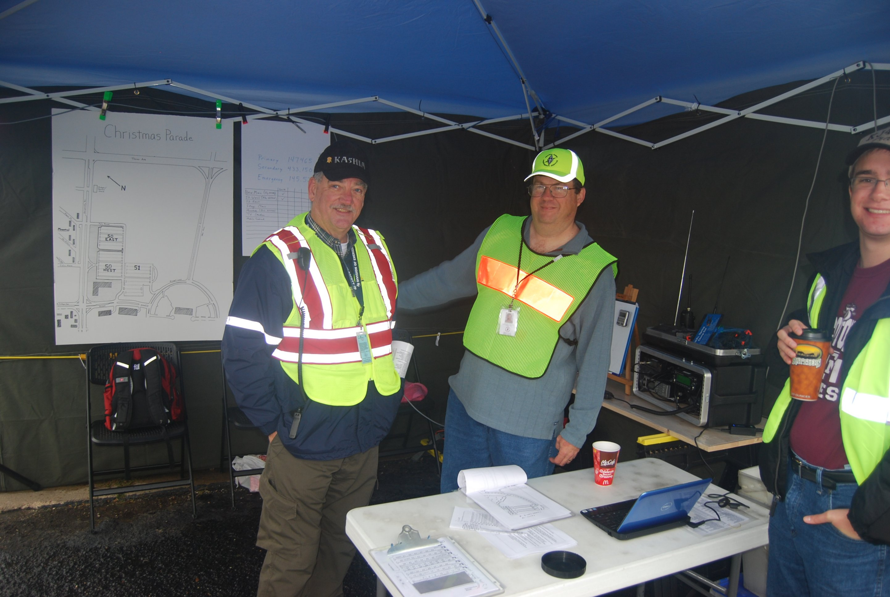 ares_xmas_2011_tent_radio_n_mike